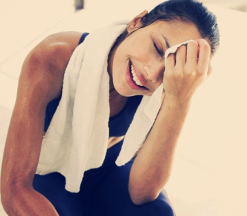 Fitness-woman-using-towel