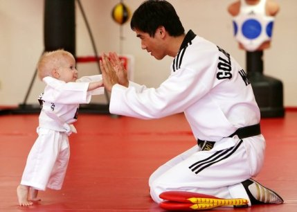 tkd-teaching-baby